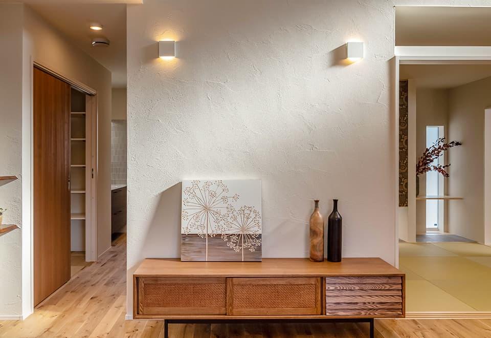 小松ヶ丘モデルハウス「平屋ベースの家」塗り壁