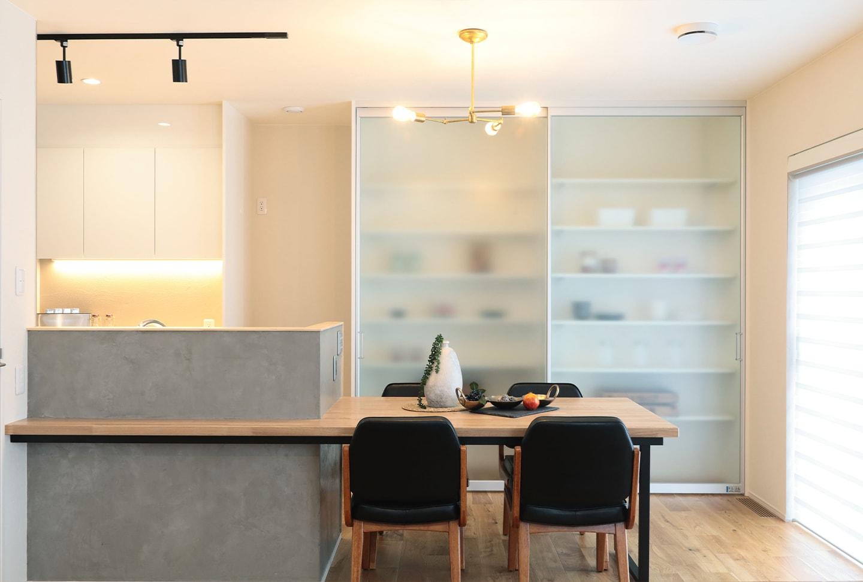 キッチンは動線+収納が重要