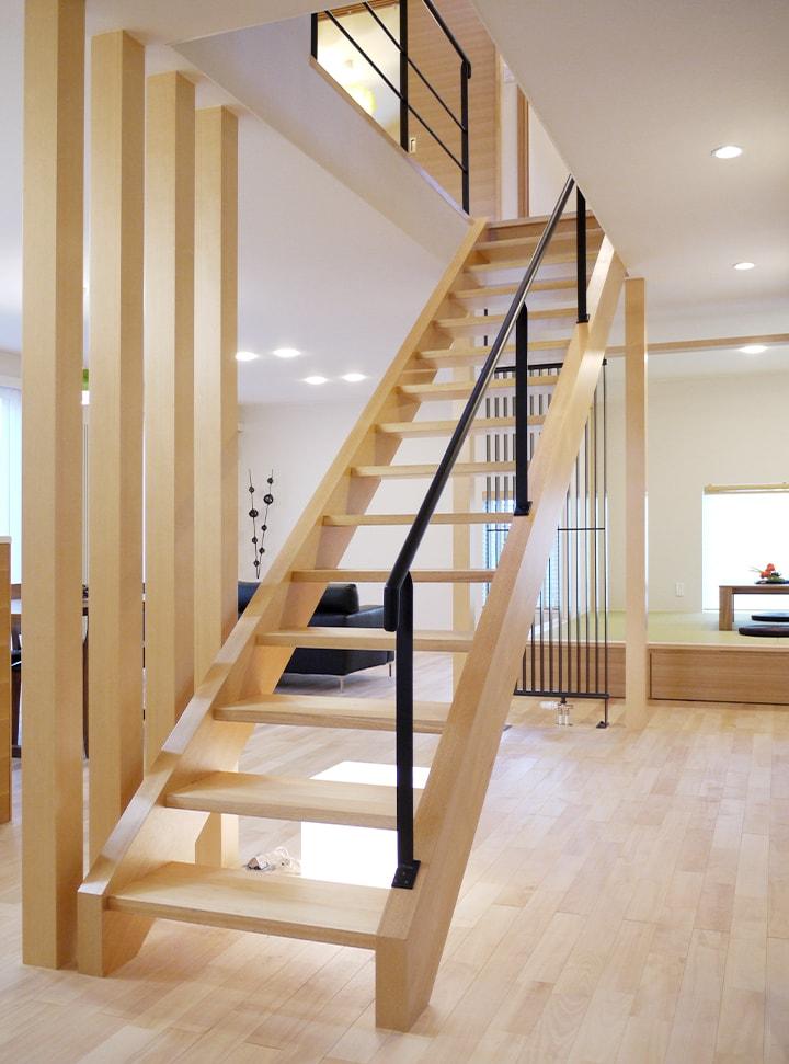 1.圧迫感の少ないスケルトン階段