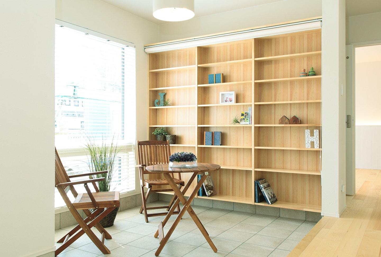 本の世界にひたれる読書スペースのある家